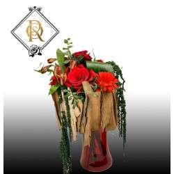 Bouquet con rosas y madera